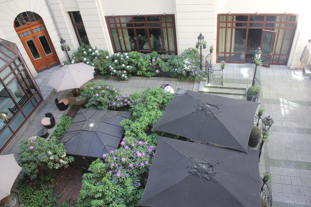 Hotel Bristol Warsaw – View of courtyard