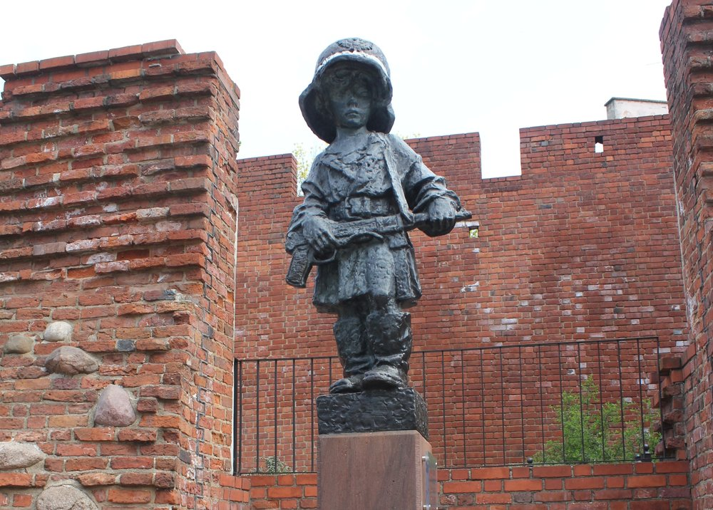 Warsaw – The Little Insurgent monument, Old Town