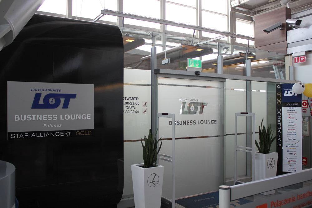 LOT Business Lounge Warsaw – Entrance