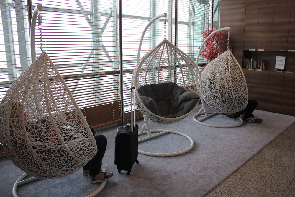 LOT Business Lounge Warsaw – Hammock seats