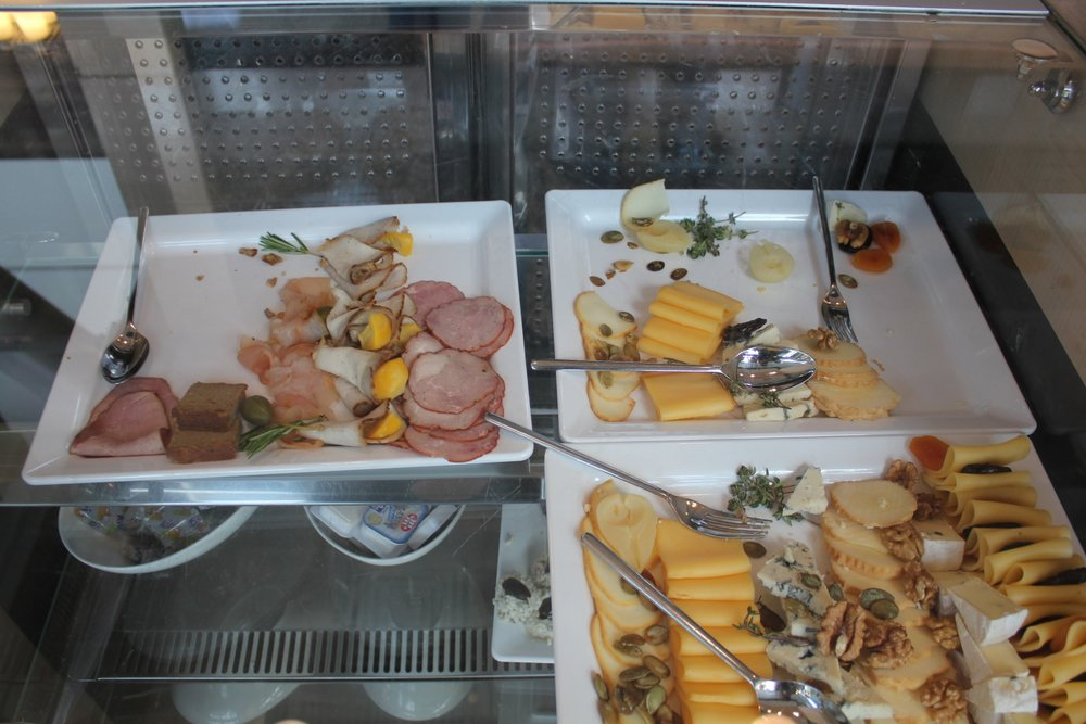 LOT Business Lounge Warsaw – Charcuterie