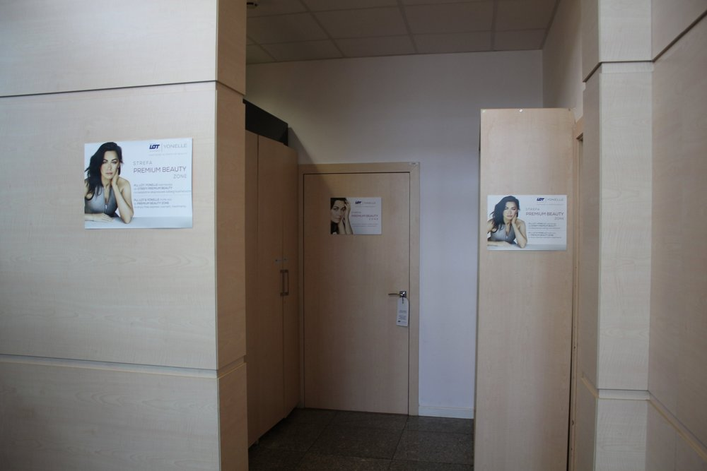 "LOT Business Lounge Warsaw – ""Premium Beauty"" zone"