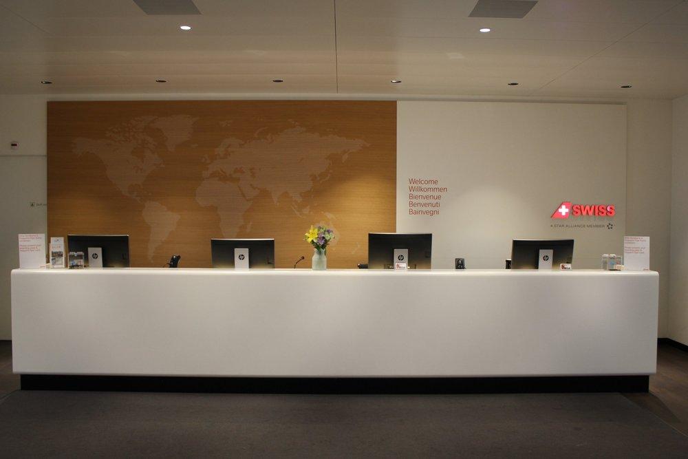 Swiss Senator Lounge Zurich – Front desk