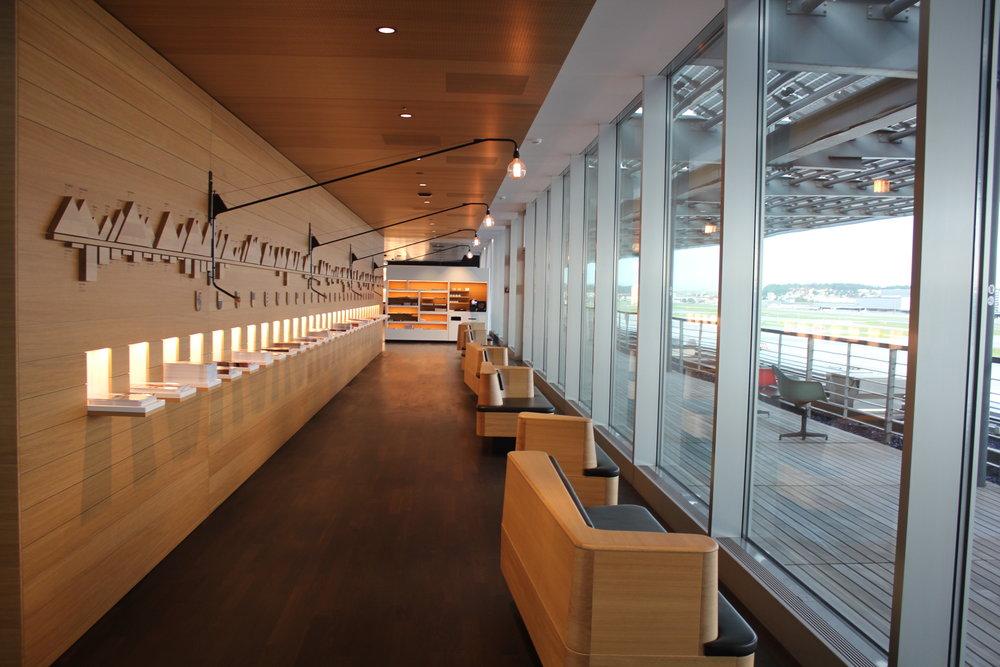 Swiss Senator Lounge Zurich – Hallway