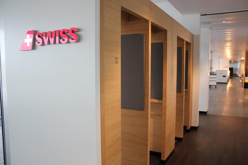 Swiss Senator Lounge Zurich – Phone booths