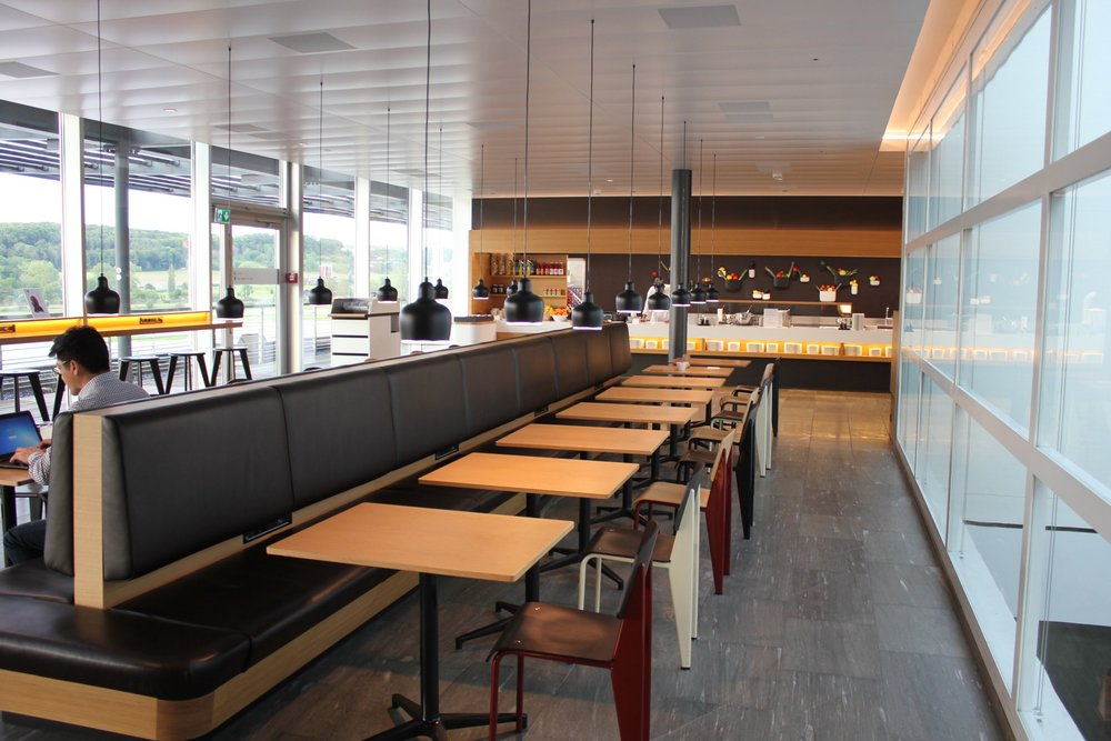 Swiss Senator Lounge Zurich – Dining area