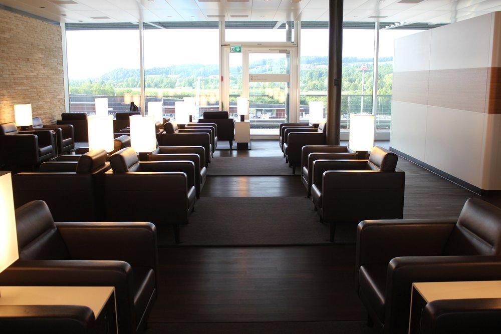 Swiss Senator Lounge Zurich – Seating area