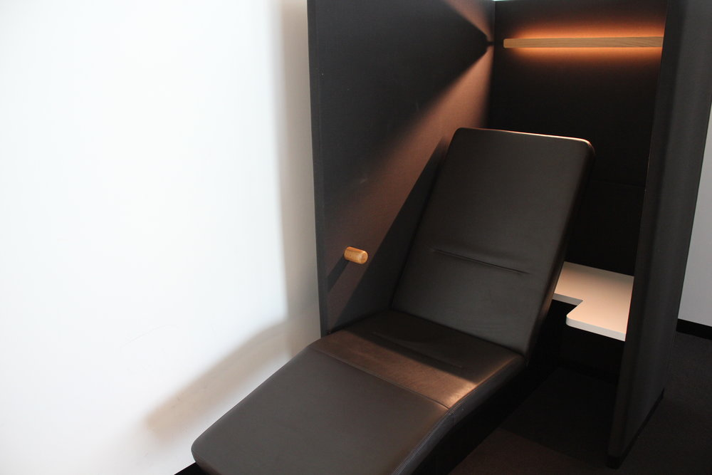 Swiss Senator Lounge Zurich – Reclining chair
