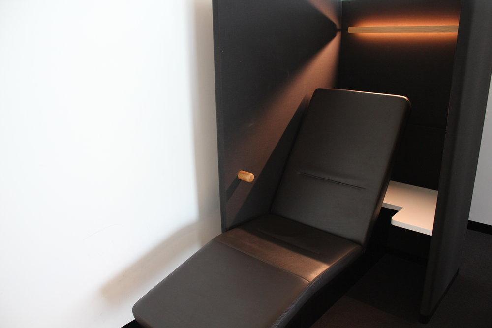 Swiss Senator Lounge Zurich – Reclining chair