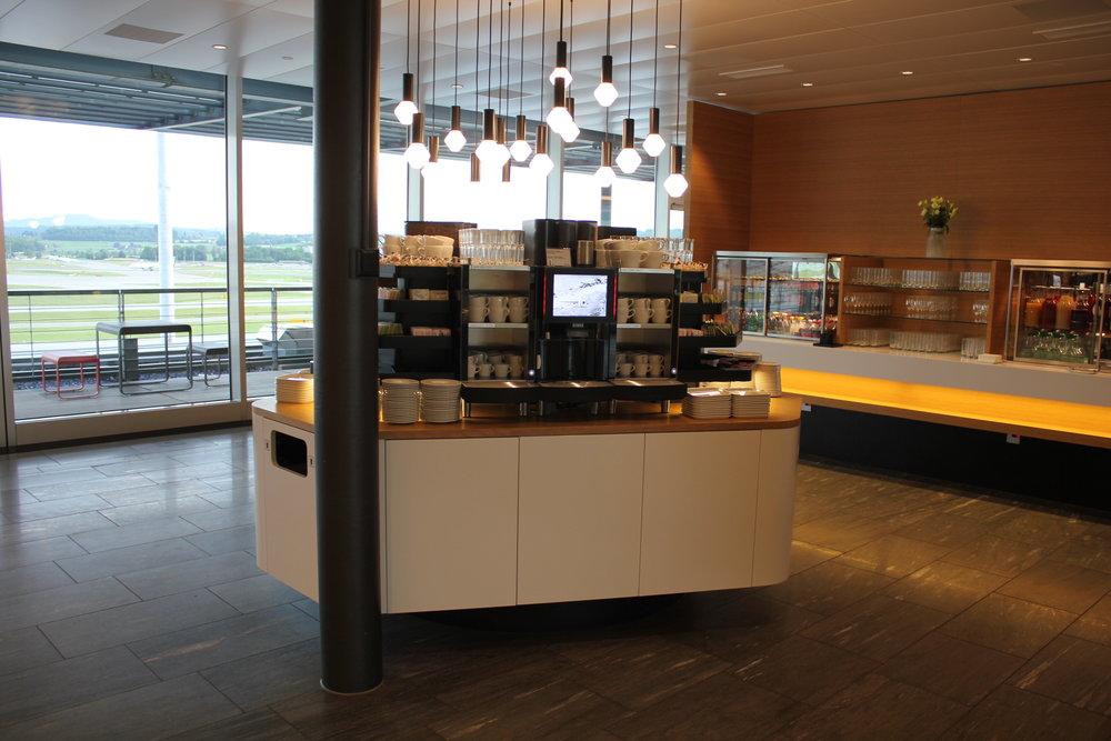 Swiss Senator Lounge Zurich – Coffee station