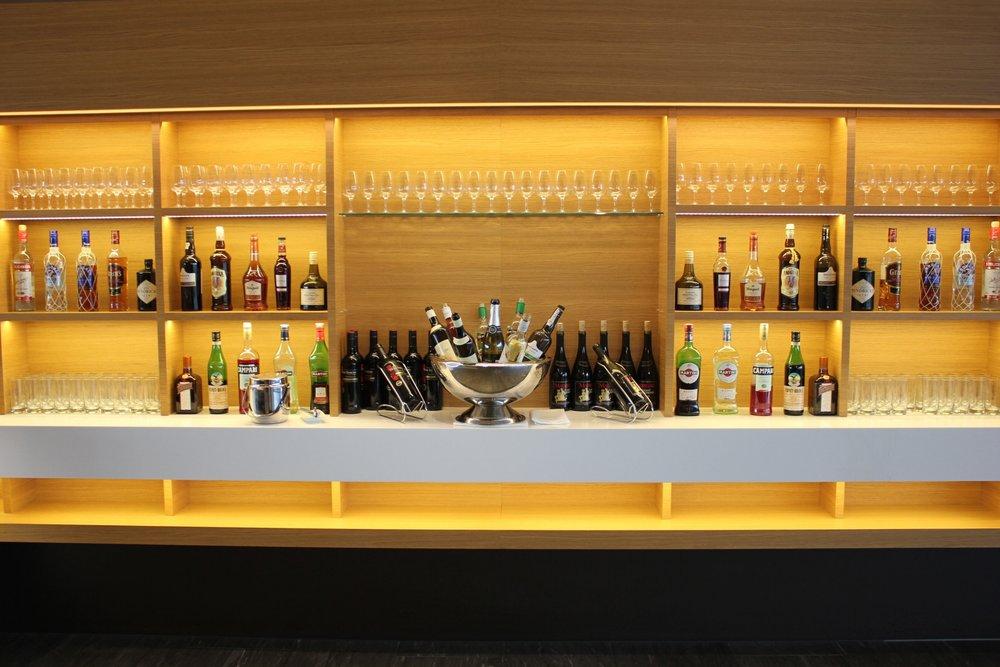 Swiss Senator Lounge Zurich – Liquor selection