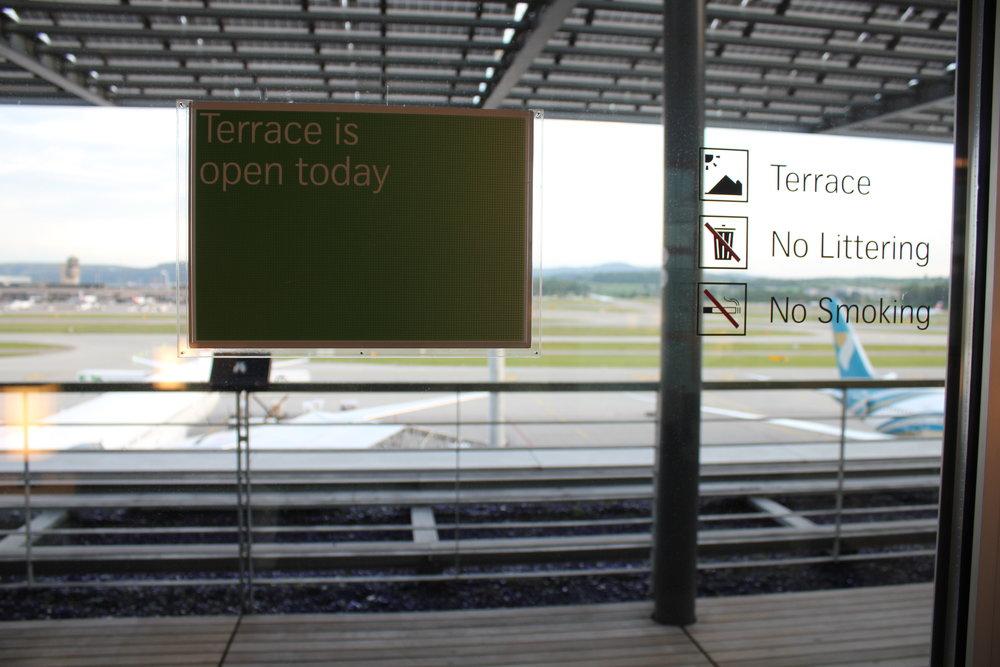 Swiss Senator Lounge Zurich – Terrace sign
