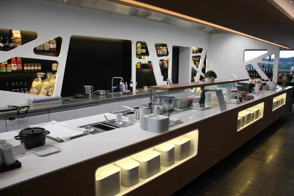 Swiss Business Lounge Zurich – Kitchen