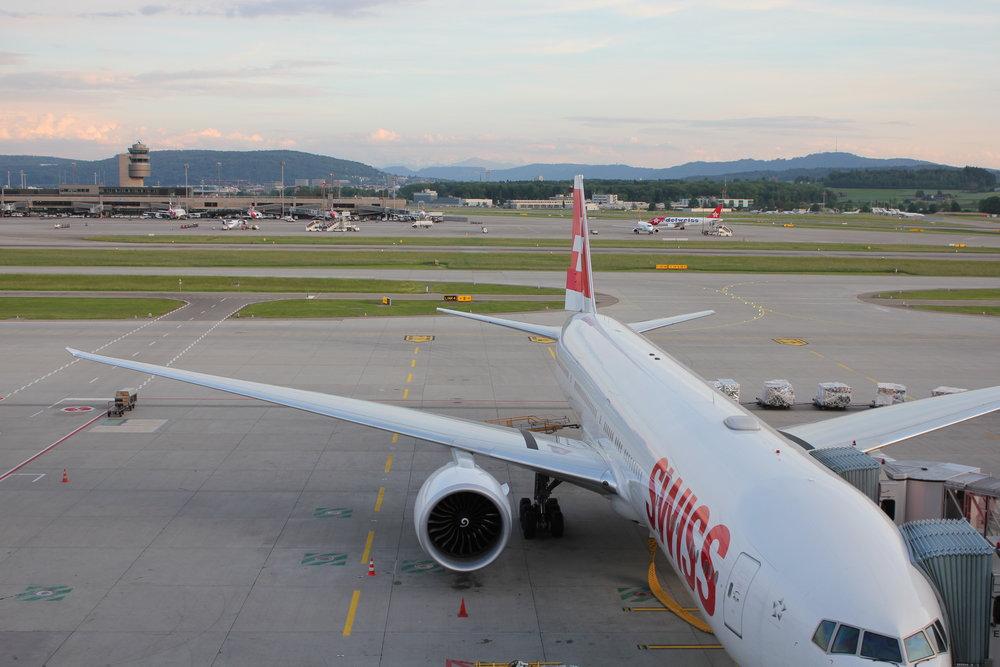 Swiss Business Lounge Zurich – View of Boeing 777