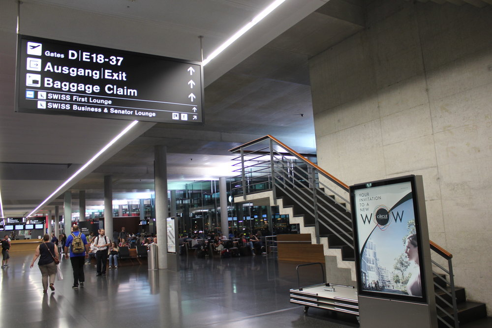 Swiss Senator and Business Lounges – Entrance