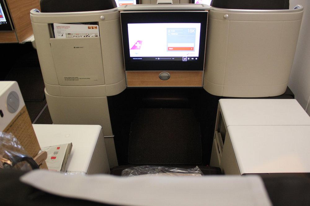 Swiss 777 business class – Seat 15K