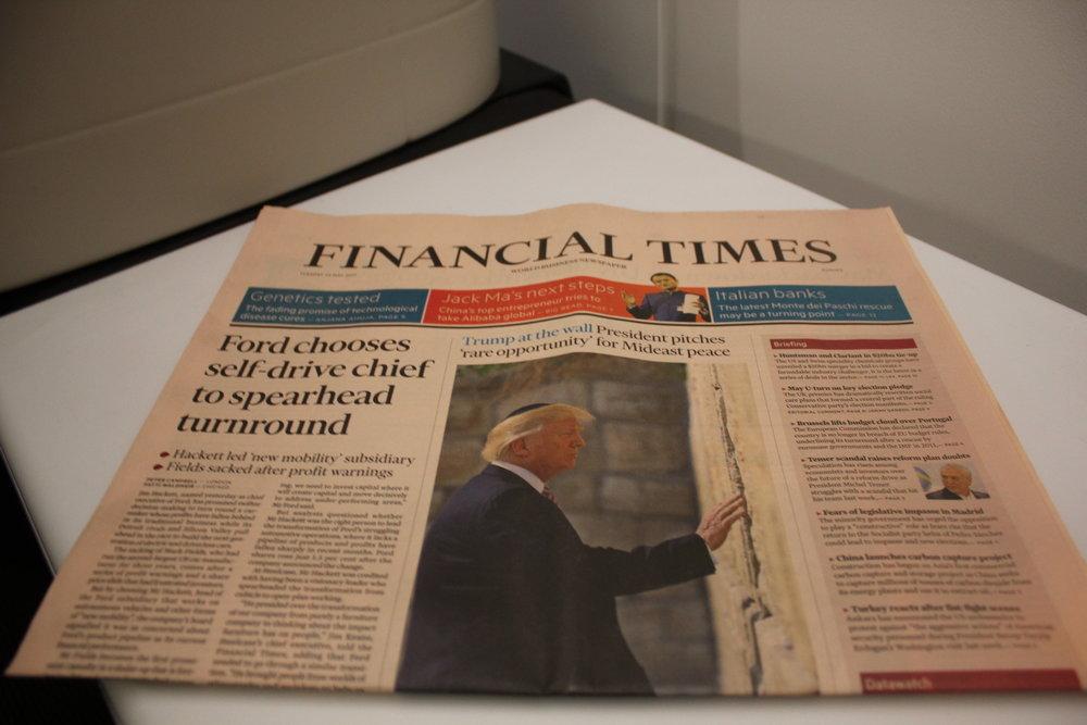 Swiss 777 business class – Newspaper