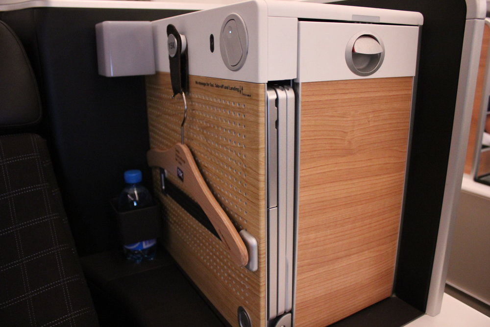 Swiss 777 business class – Large storage compartment