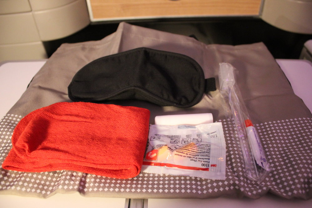 Swiss 777 business class – Amenity kit contents