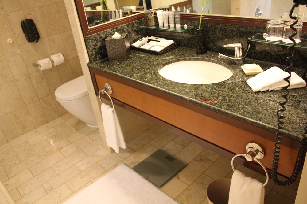 JW Marriott Hong Kong – Sink and toilet