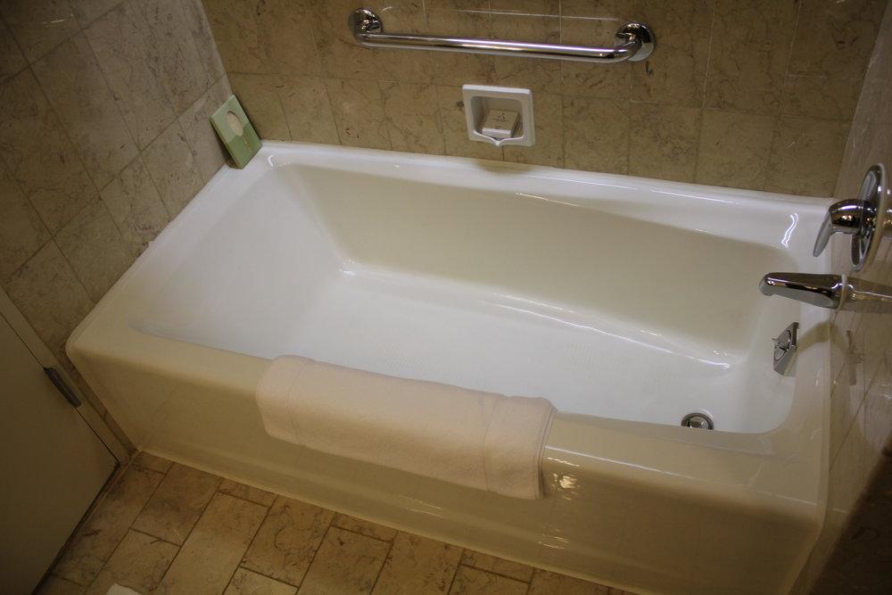 JW Marriott Hong Kong – Bathtub