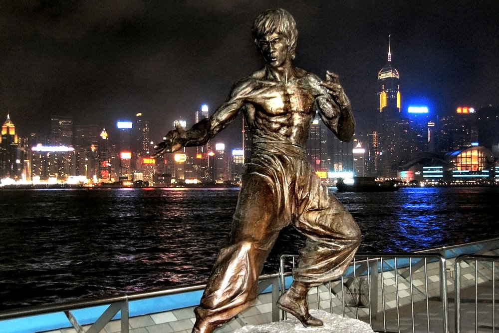 Victoria Harbour – Bruce Lee statue