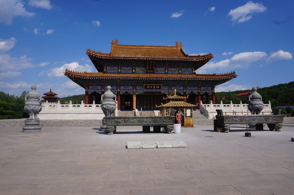 Jade Buddha Palace – Mini temple altars