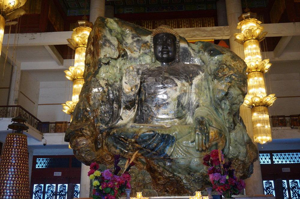 Jade Buddha Palace – Buddha sculpture closeup