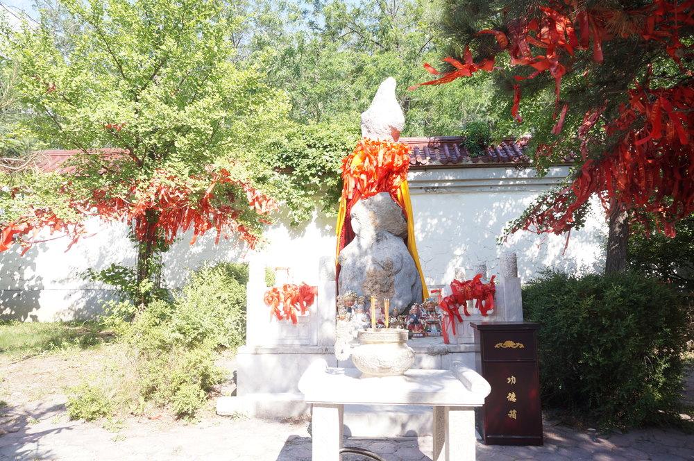 Jade Buddha Palace – Wishing Statue