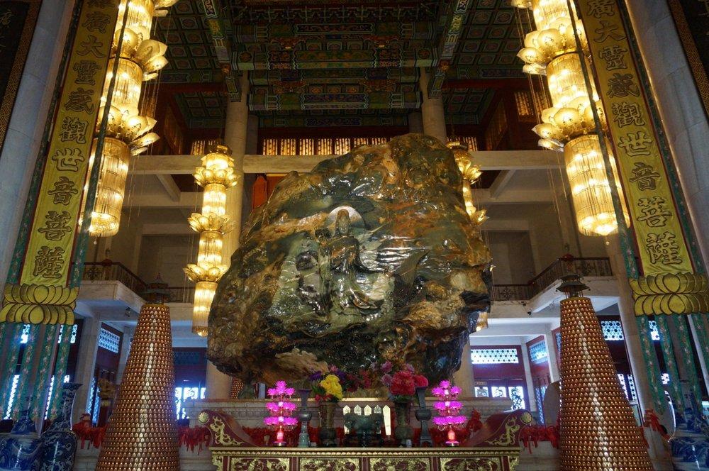 Jade Buddha Palace – Buddha sculpture rear
