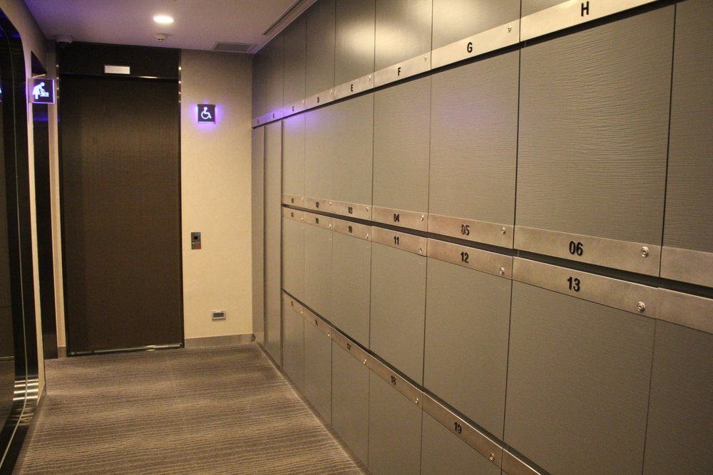 The Infinity Lounge by EVA Air – Lockers