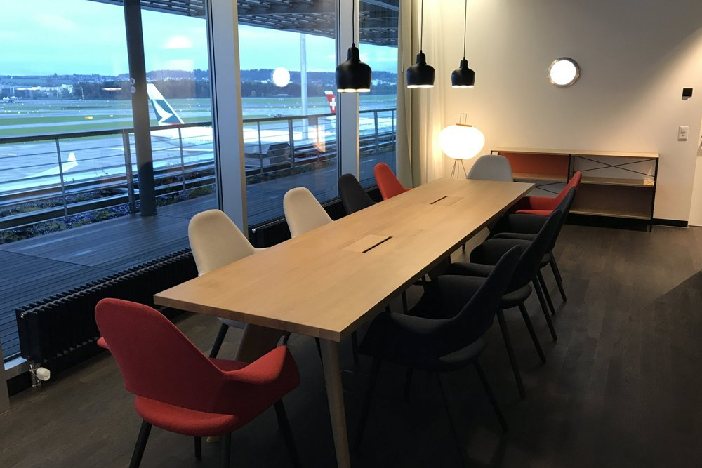 Swiss First Class Lounge Zurich – Conference room