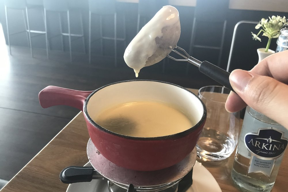 Swiss First Class Lounge Zurich – Cheese fondue
