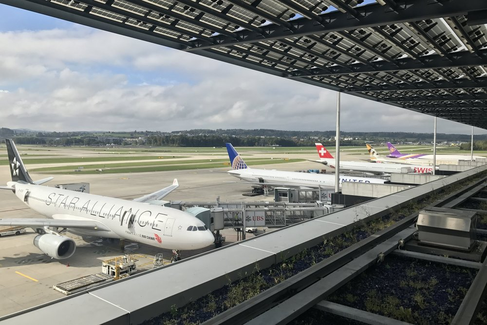 Swiss First Class Lounge Zurich – Aircraft at Pier E