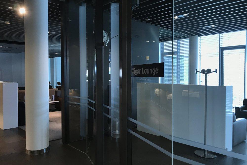 Lufthansa First Class Terminal Frankfurt – Cigar Lounge