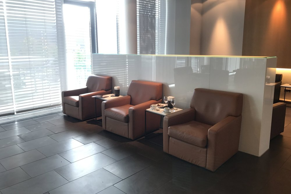 Lufthansa First Class Terminal Frankfurt – Cigar Lounge seating area