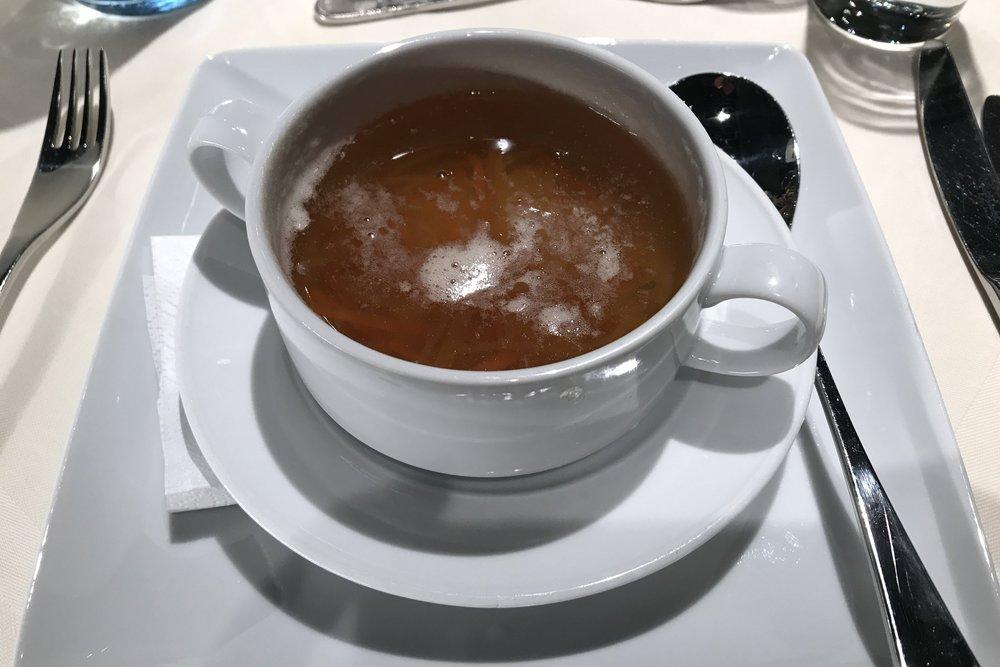 Lufthansa First Class Terminal Frankfurt – Consommé soup