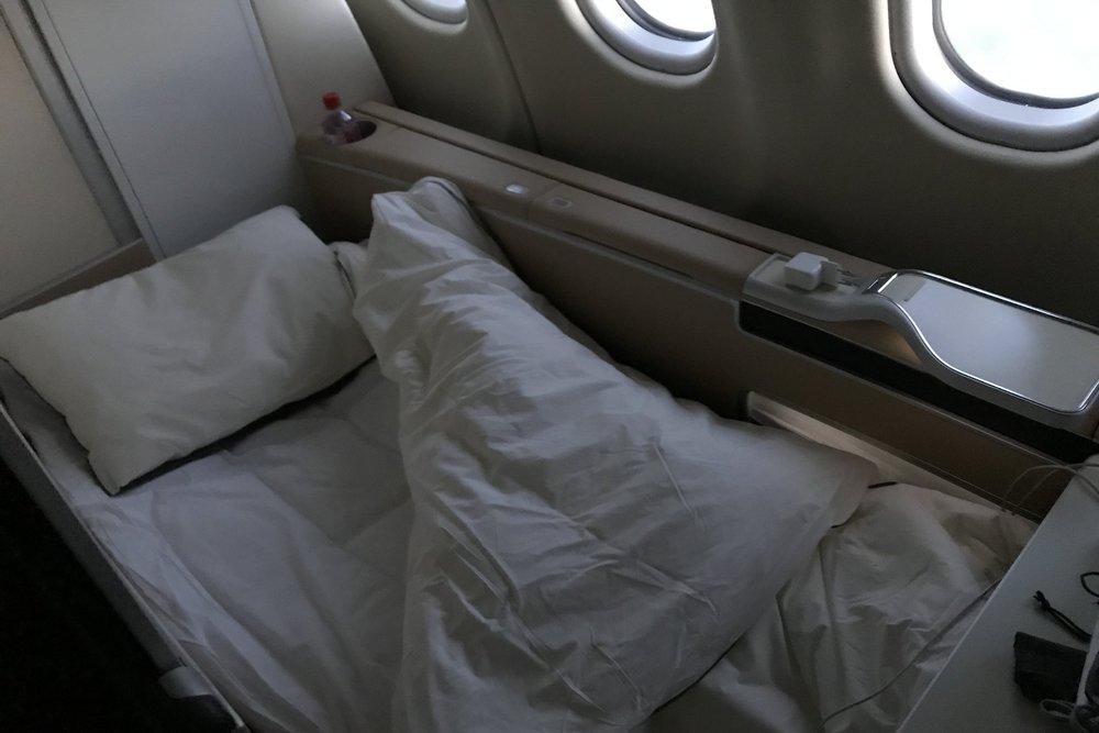 Lufthansa First Class – Bed