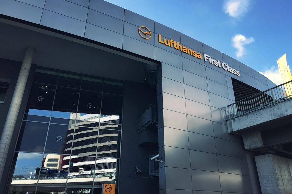 Lufthansa-First-Class-Terminal-Frankfurt-6.jpg