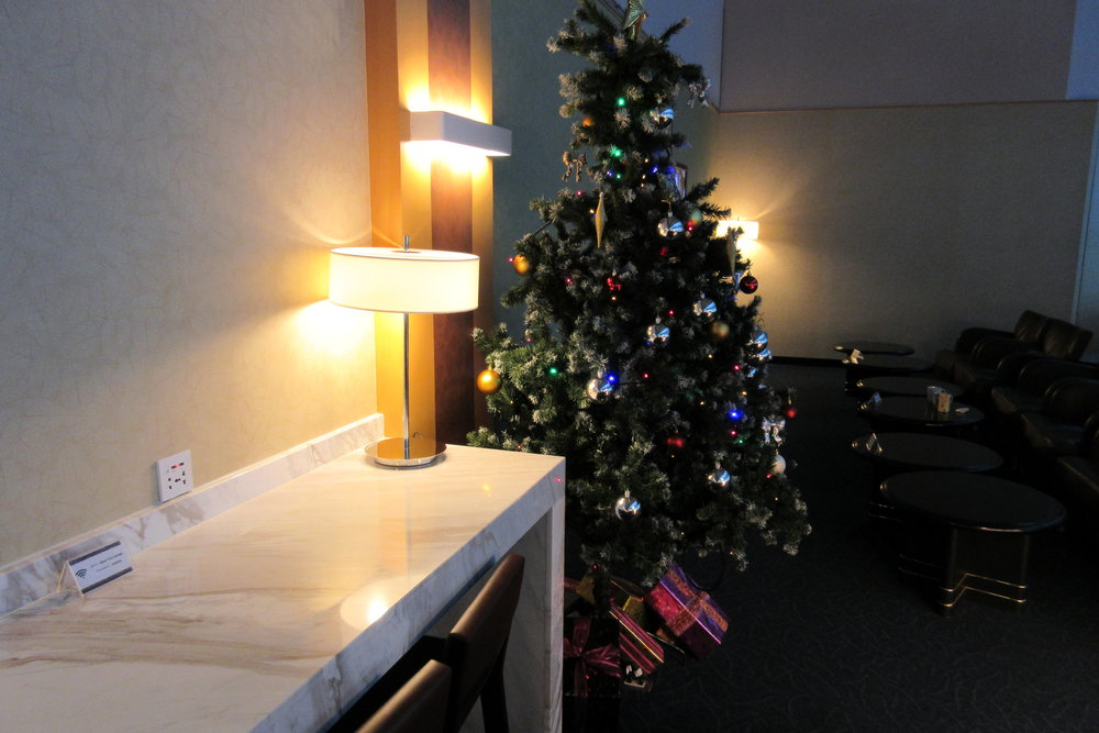 Singapore Airlines SilverKris Lounge Taipei – Christmas tree