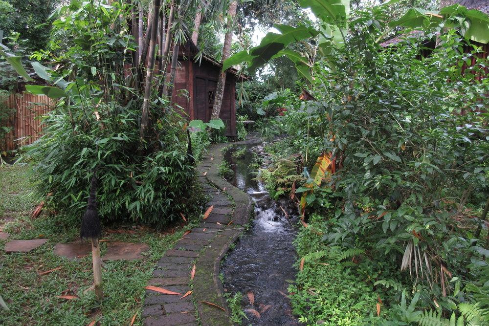 Bambu Indah Ubud – Path to Udang House