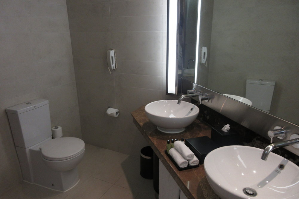 InterContinental Hanoi Westlake – Bathroom