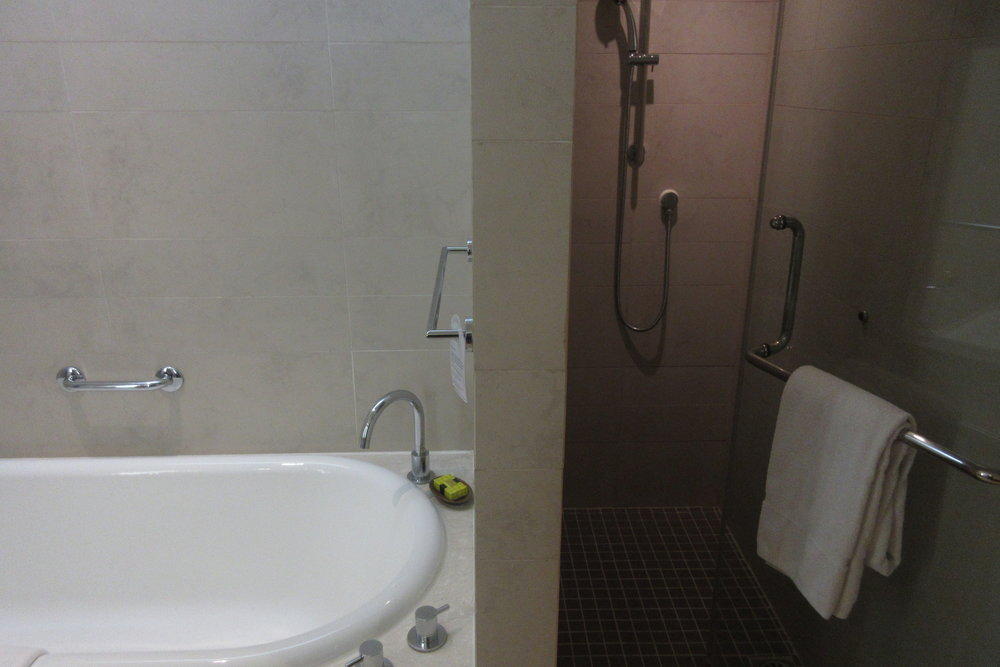 InterContinental Hanoi Westlake – Shower