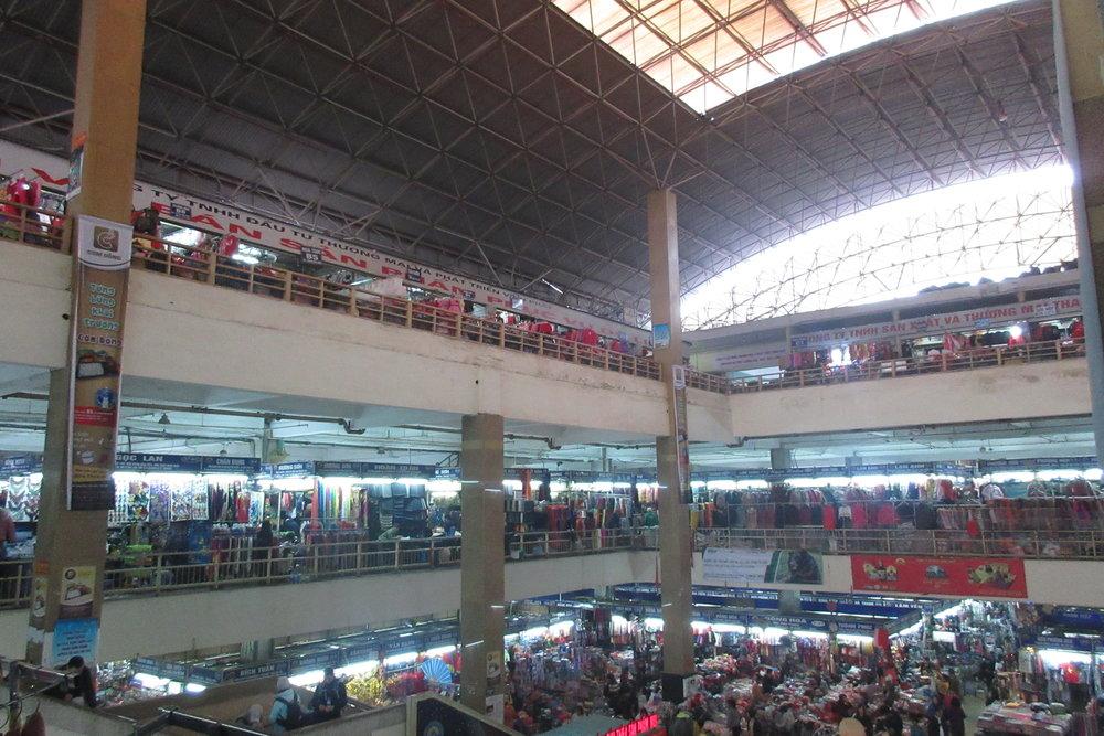Old Quarter, Hanoi – Dong Xuan Market interior