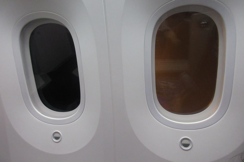 Japan Airlines business class – Window brightness controls