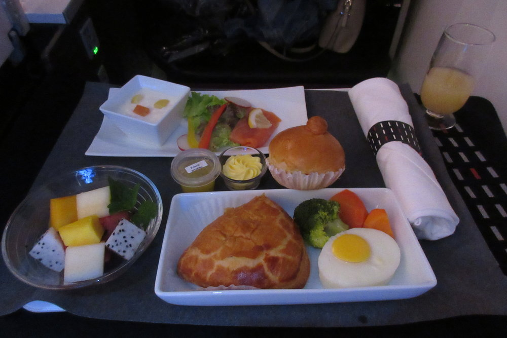Japan Airlines business class – Western breakfast