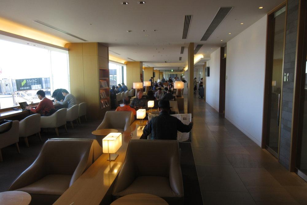 Japan Airlines Sakura Lounge Tokyo Narita – Seating area