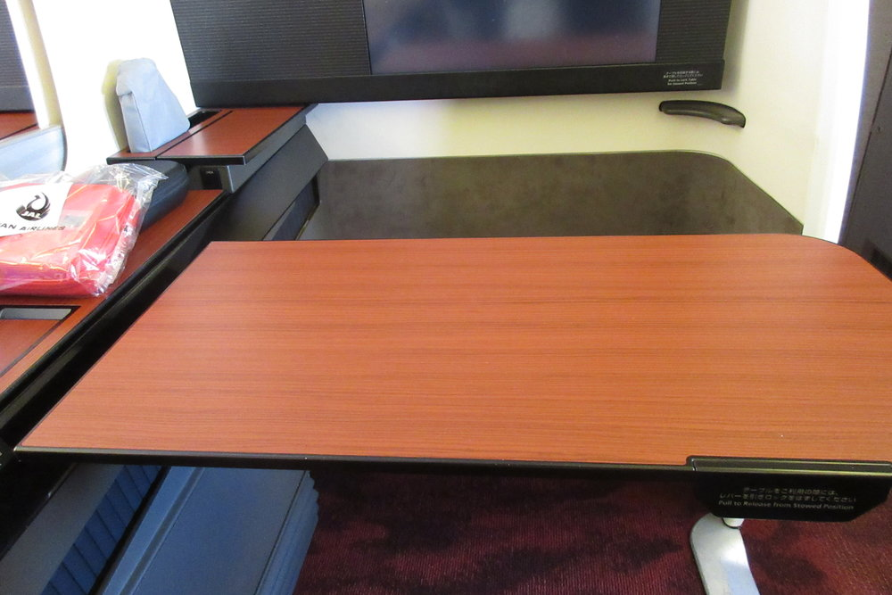 Japan Airlines First Class – Tray table