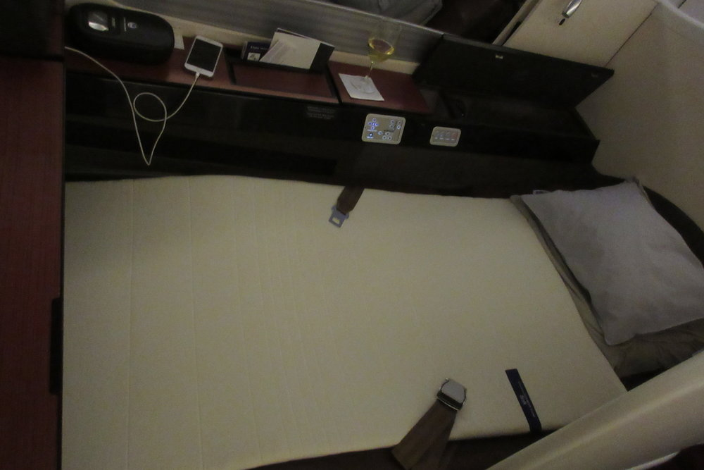 Japan Airlines First Class – Bed