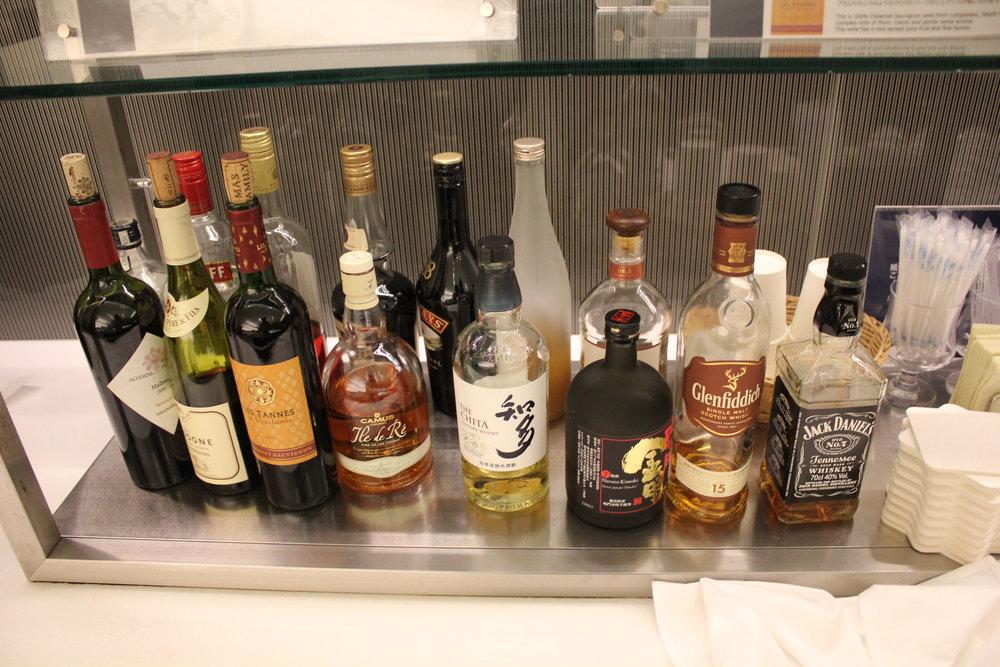 ANA Suite Lounge Tokyo Haneda – Premium spirits